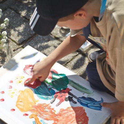 Sommer Sonne Garten – Malen mit Fingerfarben